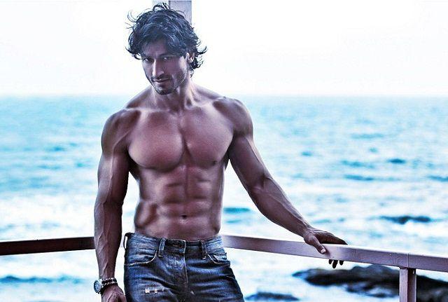 Vidyut Jamwal Height Weight Body Measurements