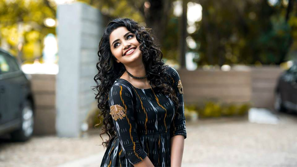 Anupama Parameswaran - Bio, Wiki, Age, Husband, Affairs, Instagram - World Super Star Bio