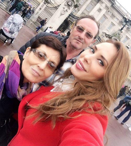 Iulia Vantur family