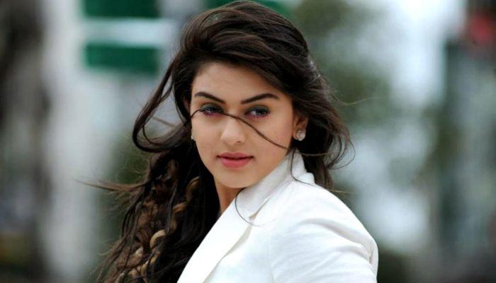 Bollywood Hindi Movies 2018 Actor Name: Hansika Motwani Height, Weight, Wiki, Biography, Age, Net