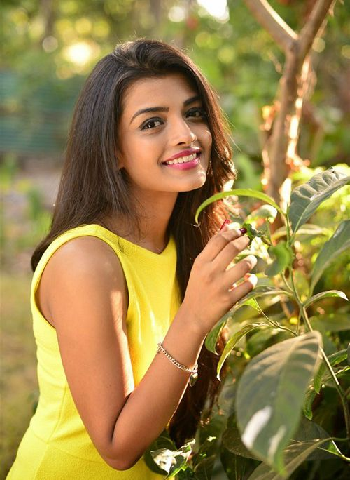 Ashna Zaveri Age
