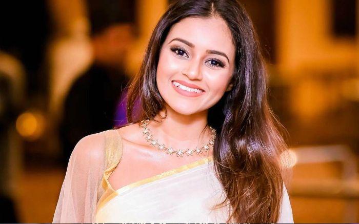 Dinakshie Priyasad Height, Age, Wiki, Bio, Boyfriend, Net Worth, Facts