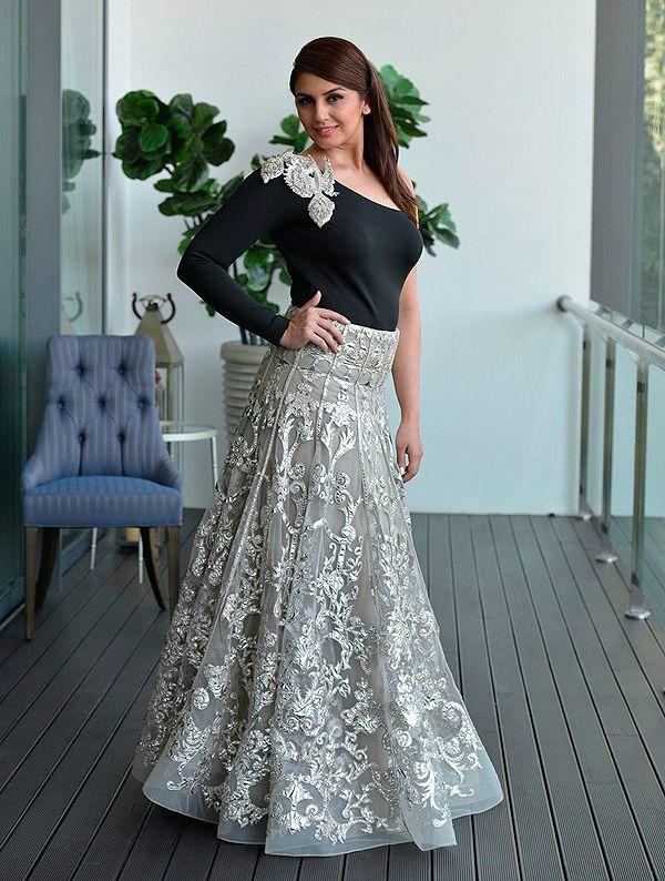 Huma Qureshi Height Weight Vital Stats