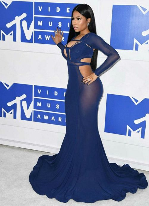 Nicki Minaj Height Weight