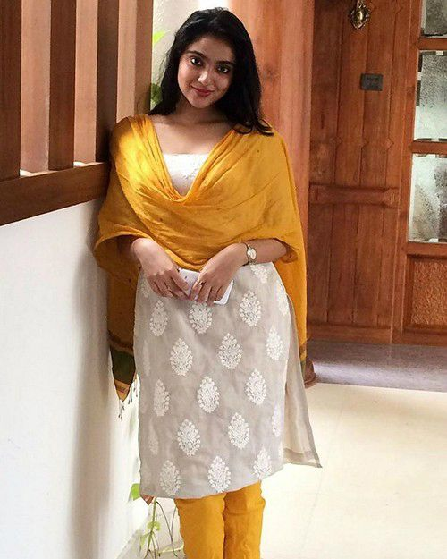 Sana Althaf height weight measurements