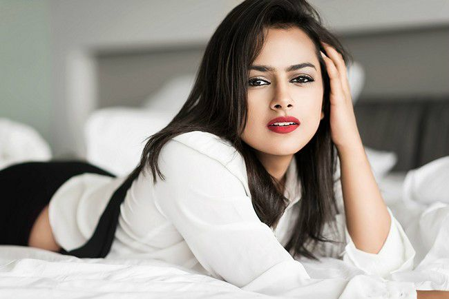 Shraddha Srinath Biography