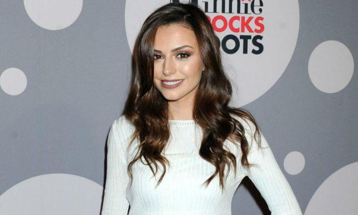 Wie is Cher Lloyd dating WDW
