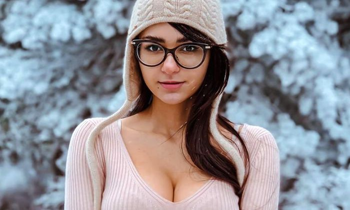 Helga Lovekaty Hottest Photos | 49 Sexy Near-Nude Pictures