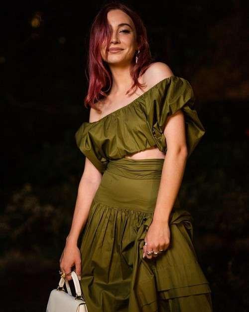 Mavournee Hazel slays in green outfit as seen on Instagram